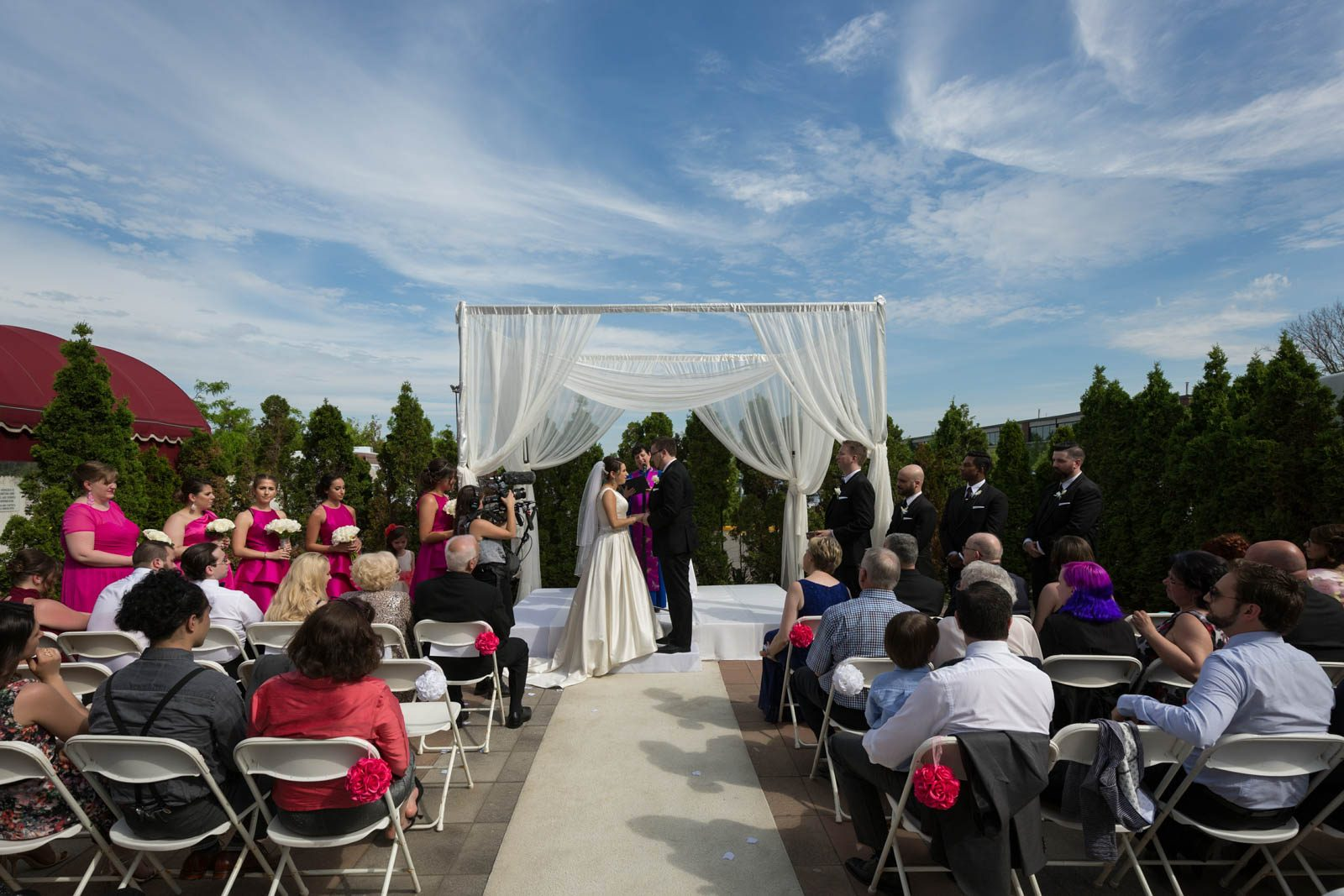 Crowne Plaza Montreal outdoor wedding ceremony
