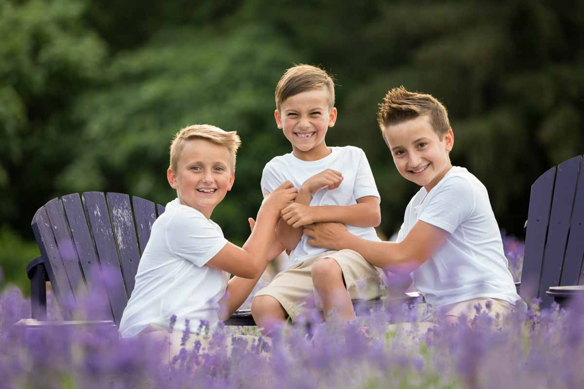 Maison Lavande family portrait session lavender fields – 003