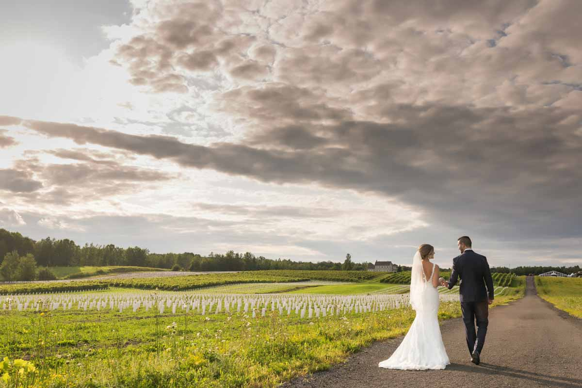 Chapiteau Le Vignoble wedding Groupe Madison by Pixelicious Montreal Wedding Photographer