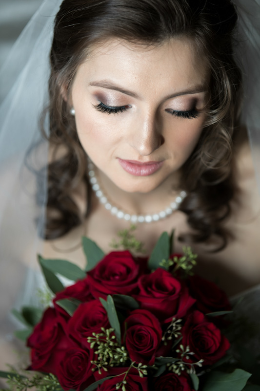 Bride glamour shot with bouquet