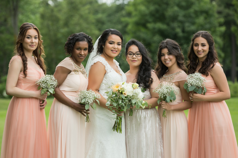 Group photo with bridesmaids