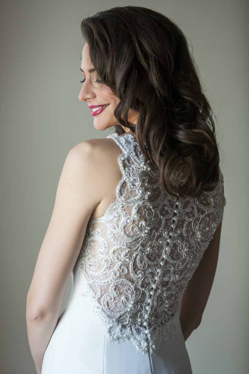 Pixelicious portrait back of bride dress