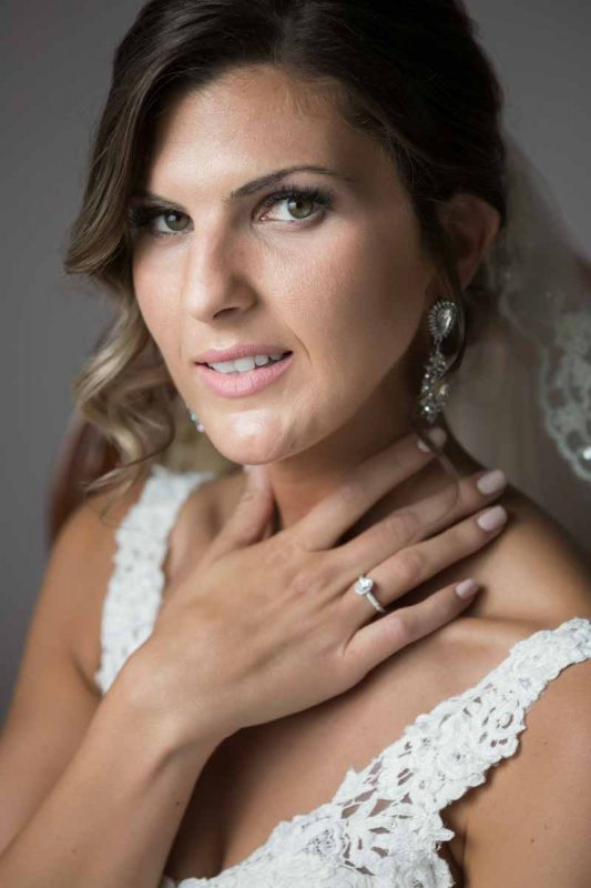 Pixelicious portrait bride with engagement ring