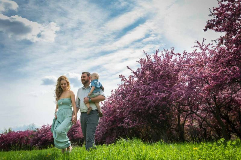 Family engagement session with crabapples